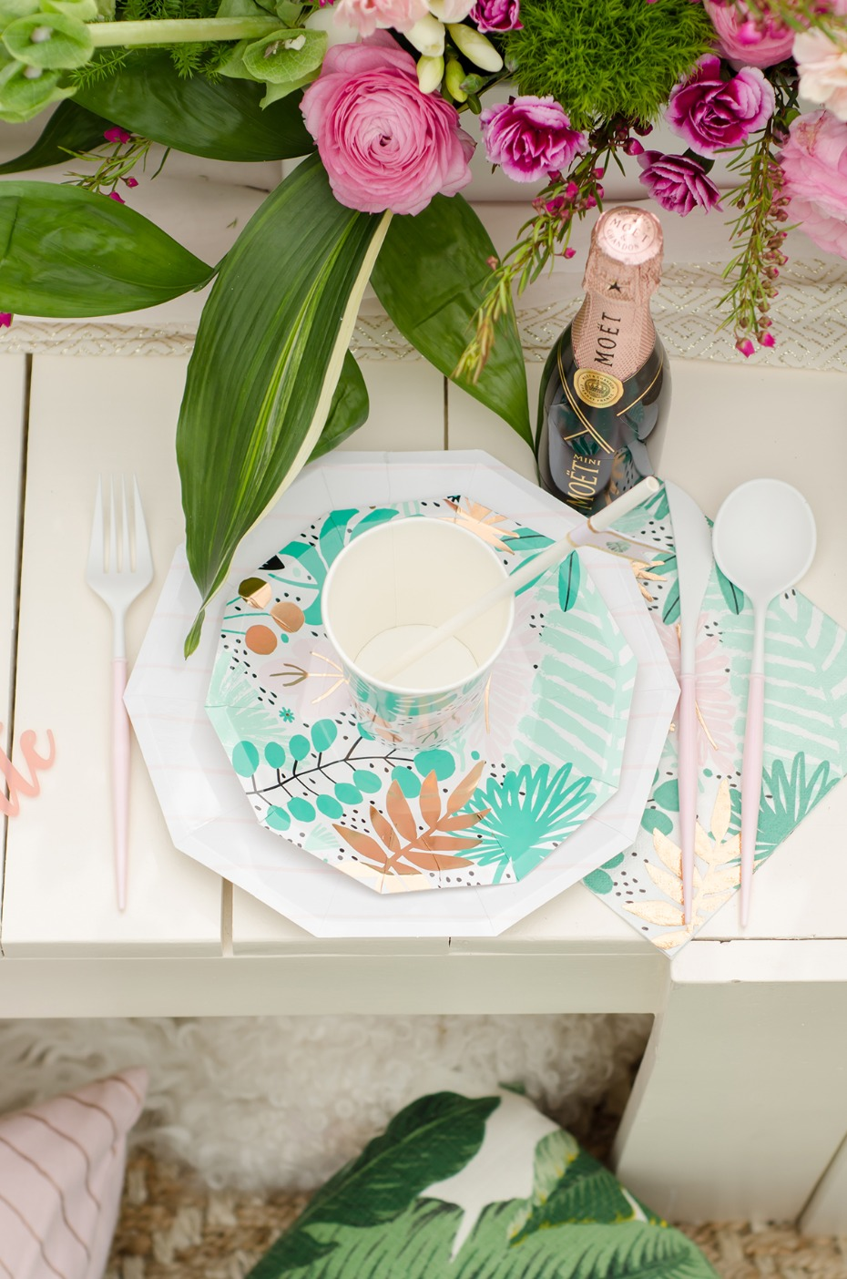 tropical themed place setting