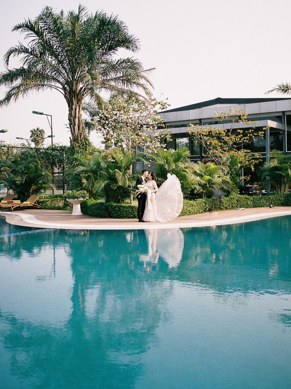 Poolside resort wedding ideas in Vietnam