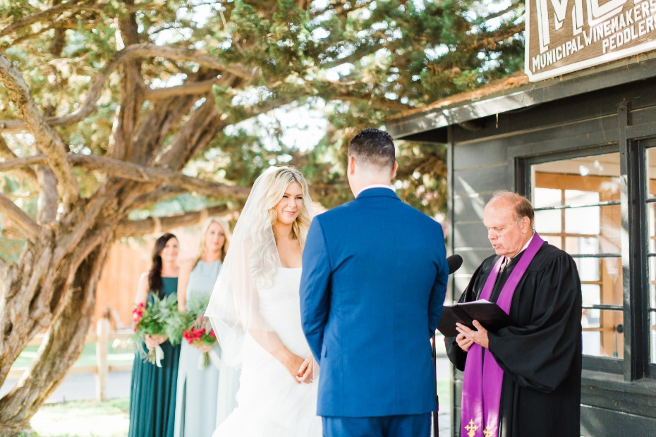 Outdoor ceremony at the Alamo Motel