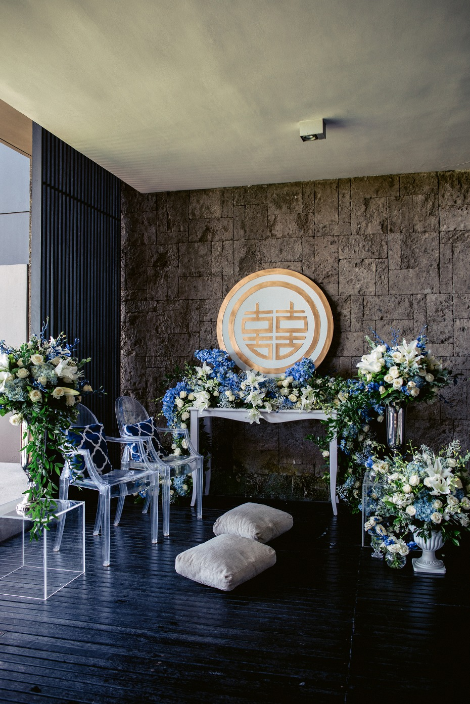 Blue and white wedding at Soori Bali