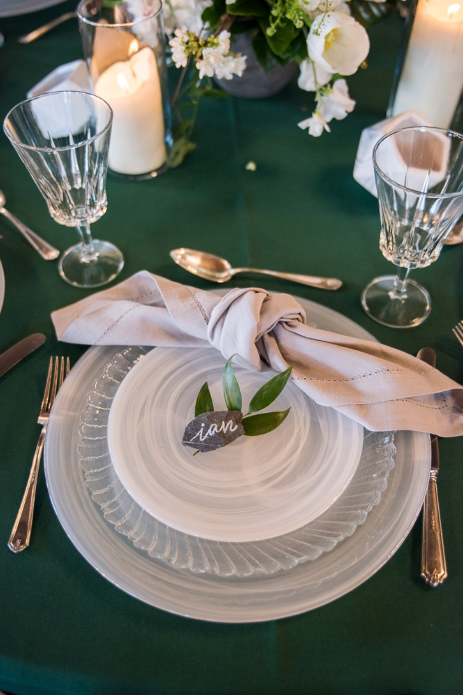 milky glass wedding place setting