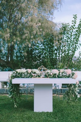 Glam Garden Wedding With A White And Copper Modern Twist