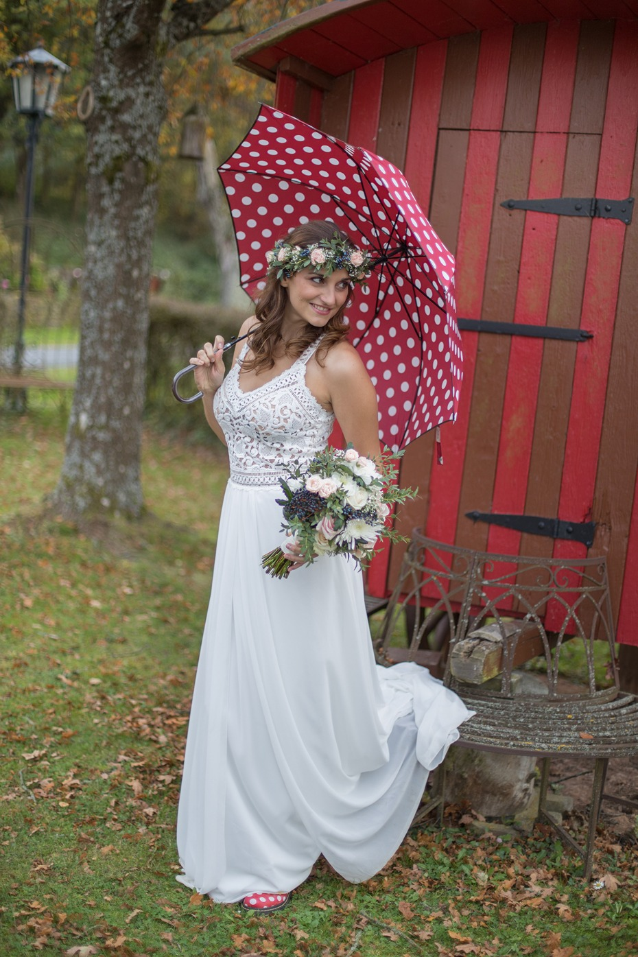 sweet bridal photo op with polka dot umbrella