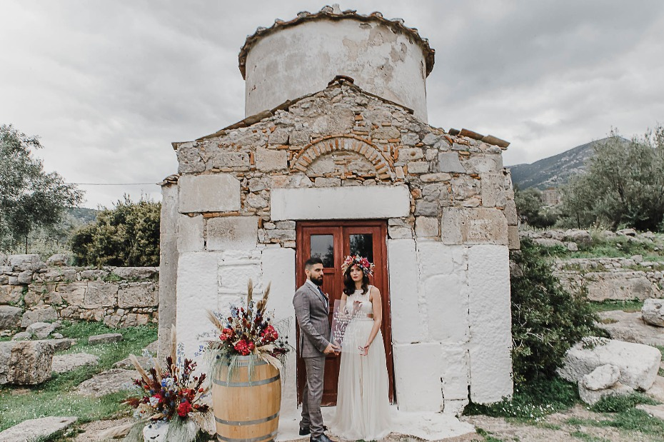 Ancient castle wedding ideas from Greece