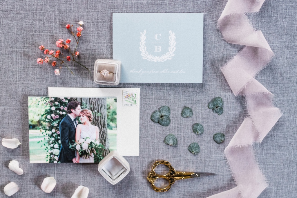 Such a dreamy look! This traditional wedding invitation design has the chicest twist making it yet another uniquely gorgeous invite