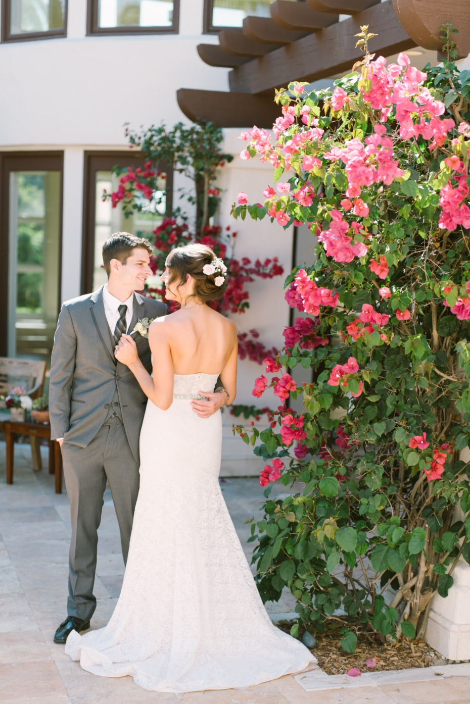 Elegant laid-back wedding