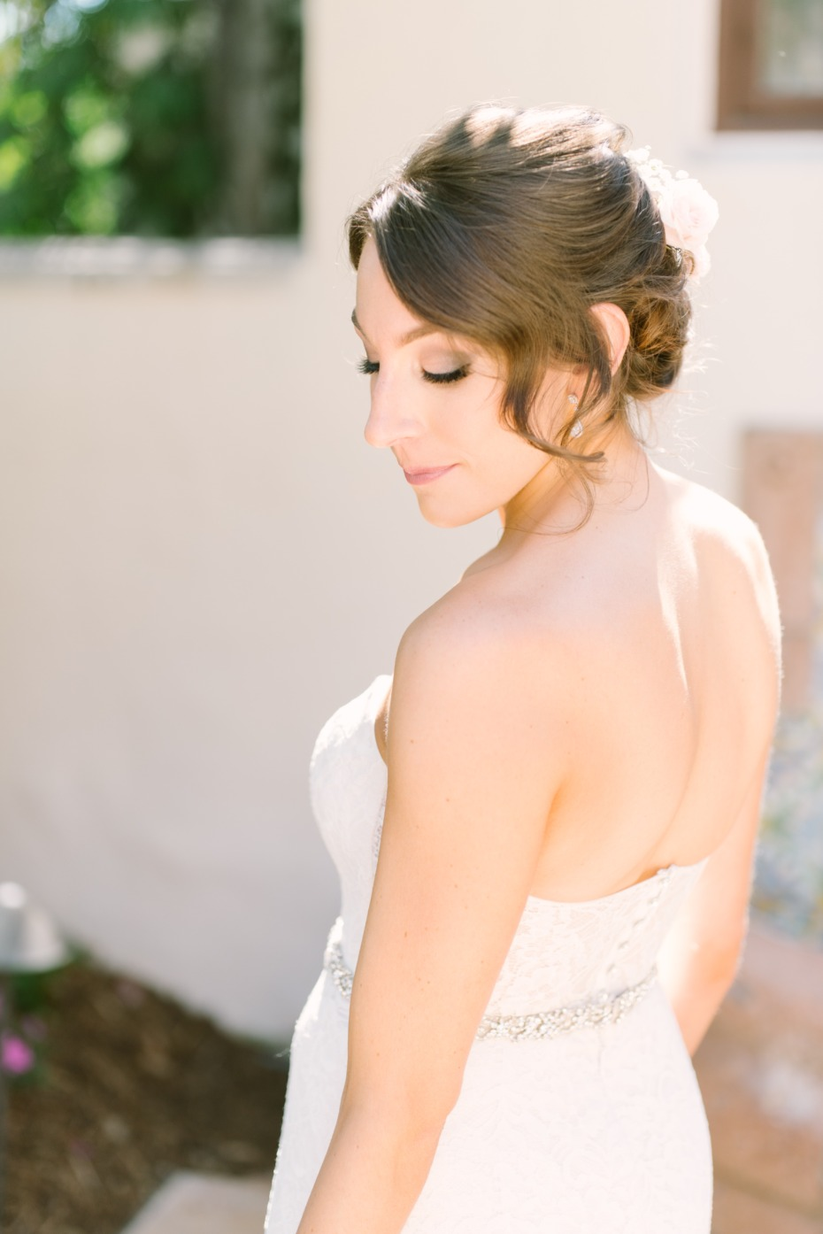 Soft smokey bridal makeup