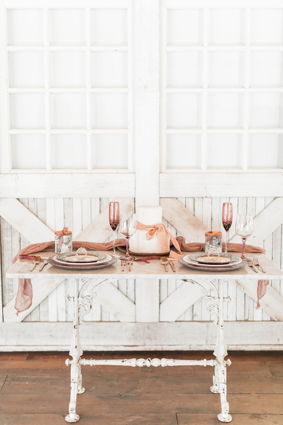 blush and mixed metallic sweetheart table