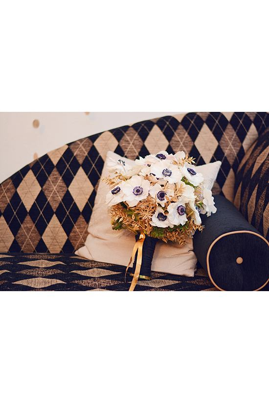 Gold And Black Wedding Ideas For New Year's Eve