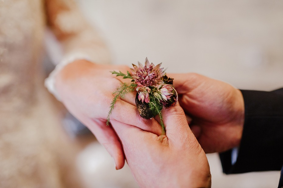 wedding floral ring