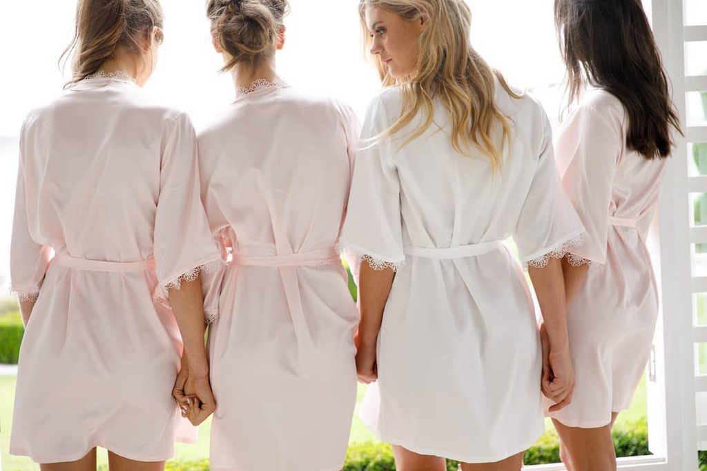 Getting ready in a #LeRose robe not only ensures picture