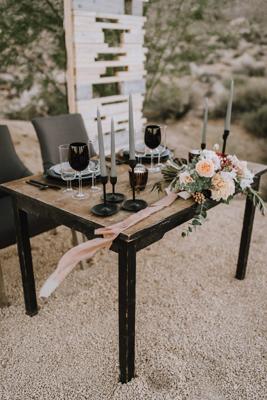 rustic hip and modern wedding sweetheart table idea