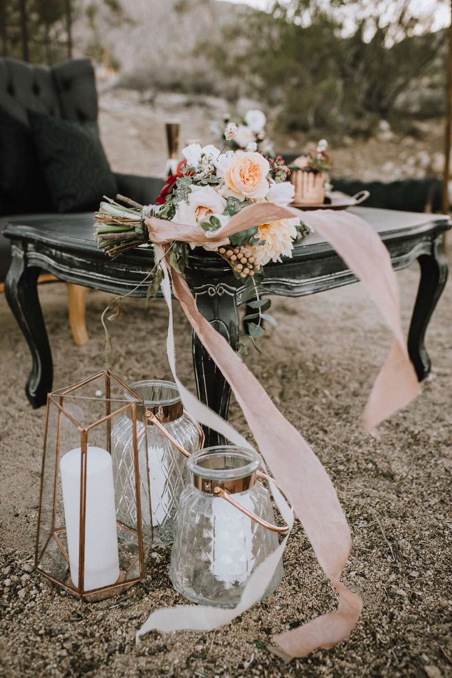 rustic moder wedding decor