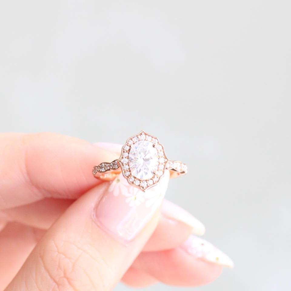 When your ring is this beautiful, wouldn't you take it off and stare too? 😍 P.S. she's a best seller for a reason ✨ Shop the