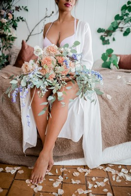 Build Your Confidence with a Sexy Bridal Boudoir Shoot