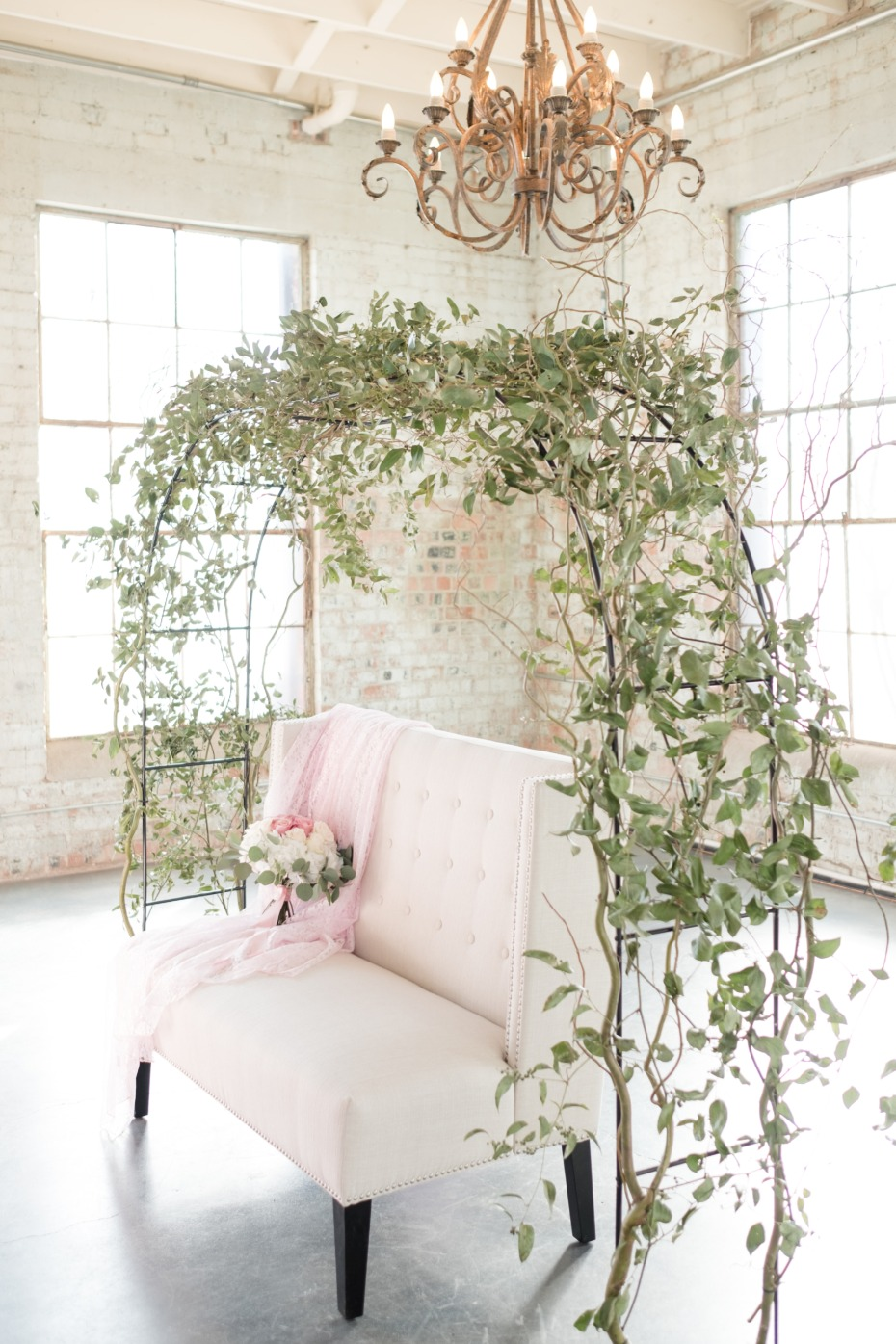 sweetheart table arch