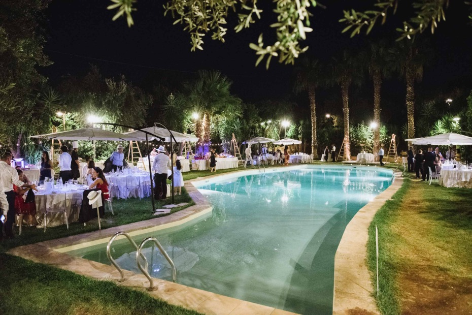 Poolside reception in Italy