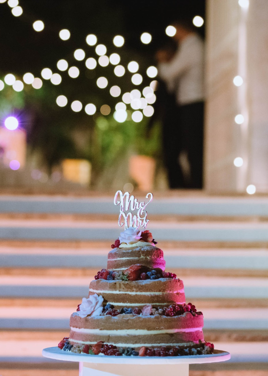 Boho berry wedding cake