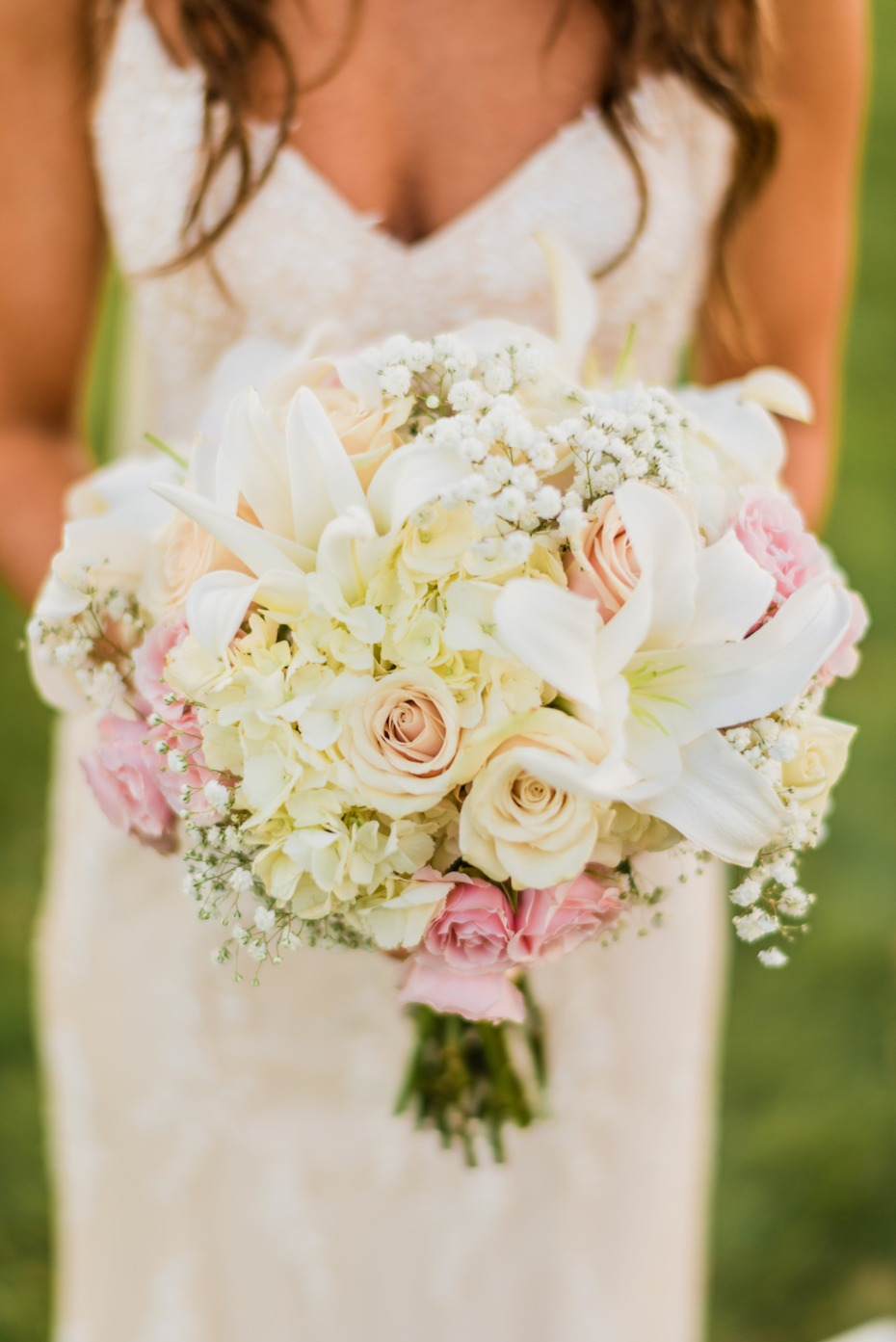 Ivory and blush wedding bouquet