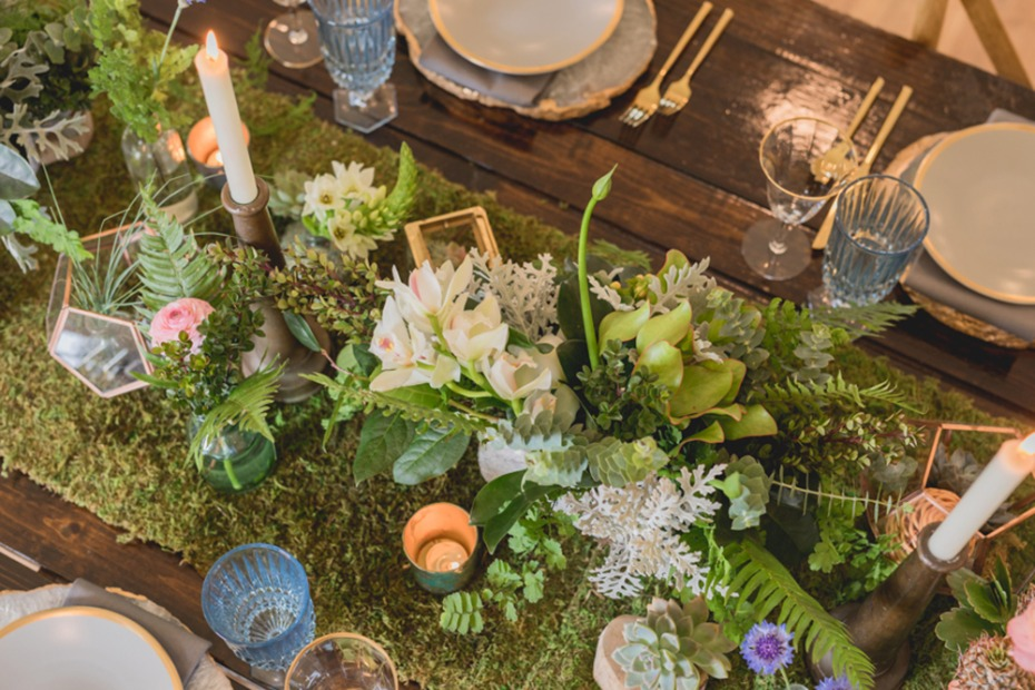 moss runner and floral centerpiece idea