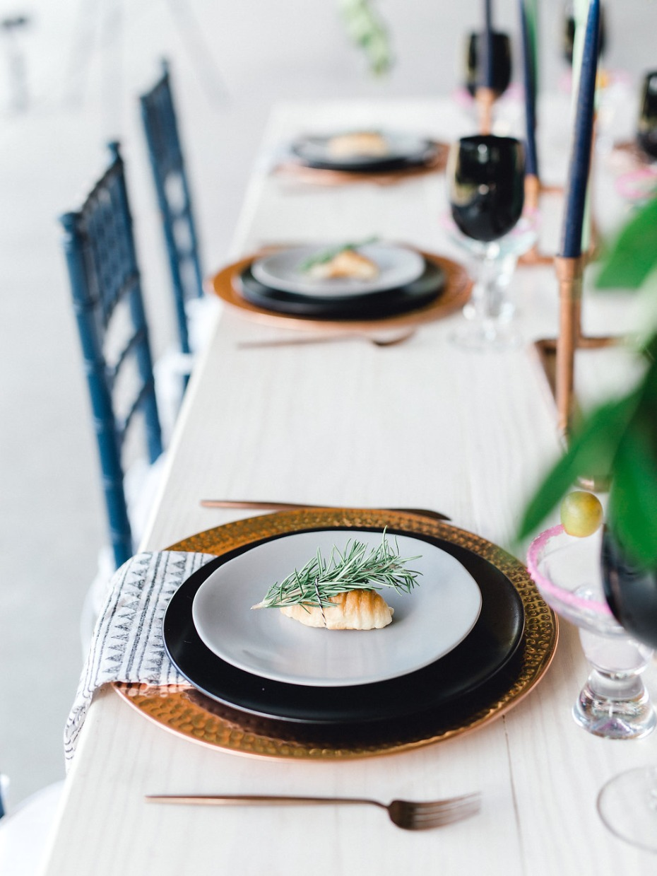 Place setting design with bread and greenery