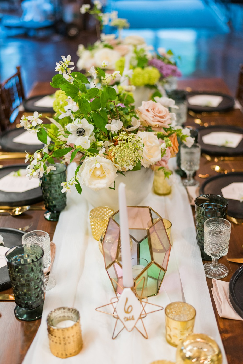 modern vintage chic table decor