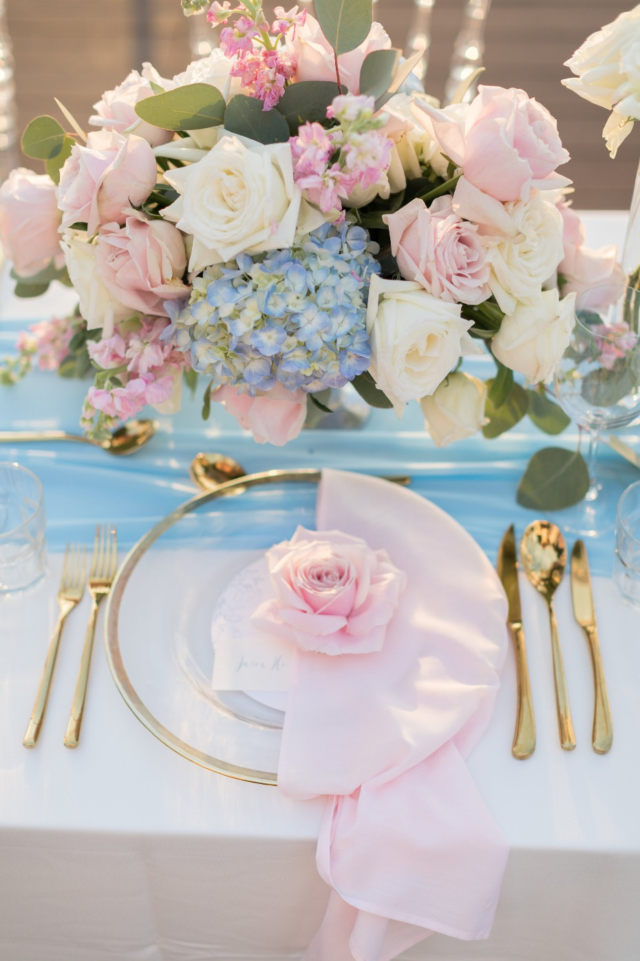 Glam pink and blue reception