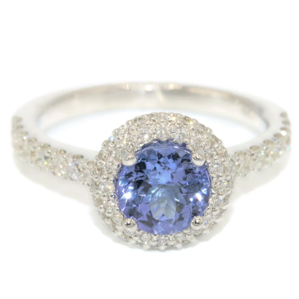 18k white gold tanzanite ring with top quality diamonds.