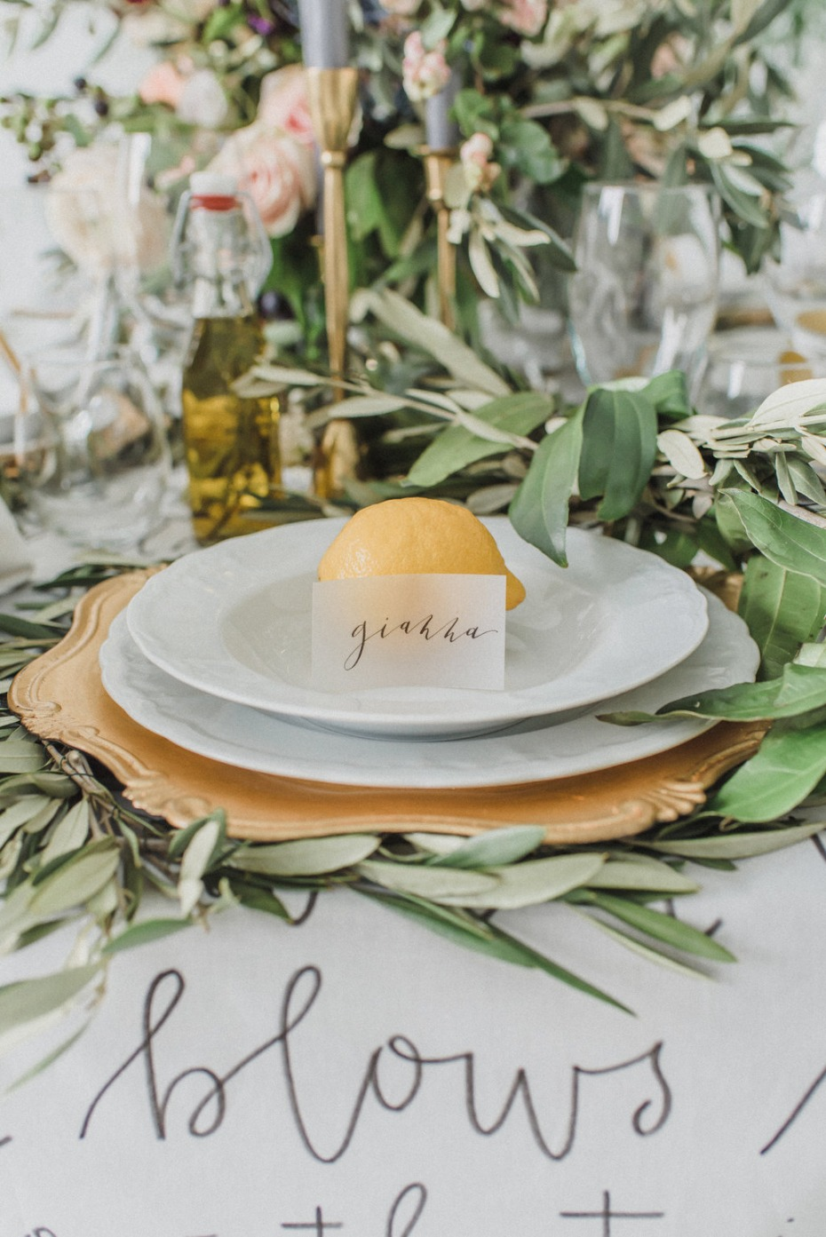 Lemon place setting for a wedding