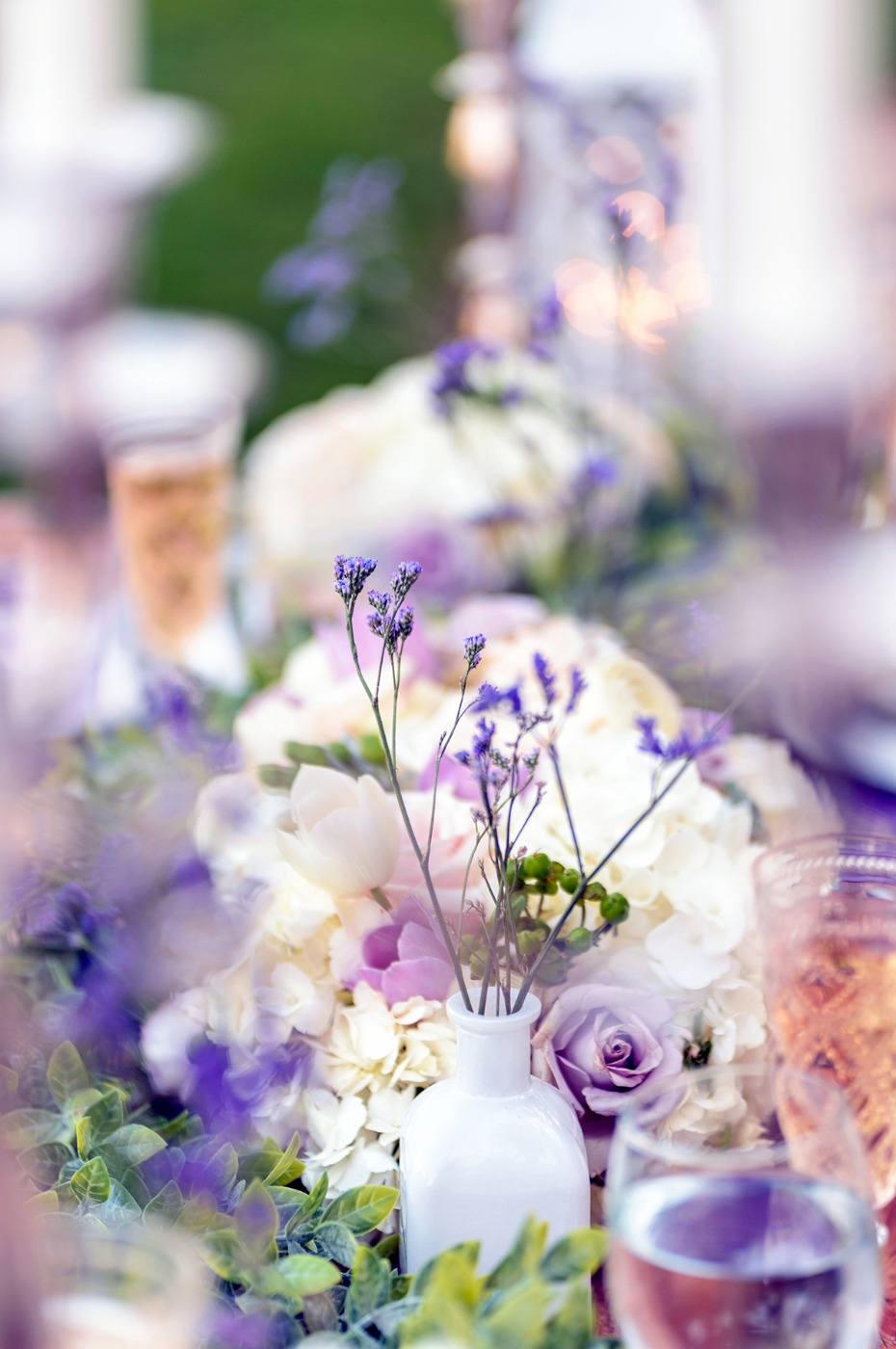 lavender and and white wedding flowers