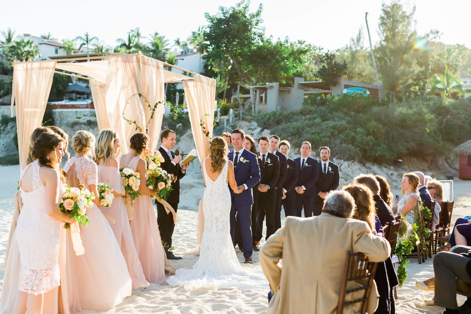 beach wedding ceremony in Cabo