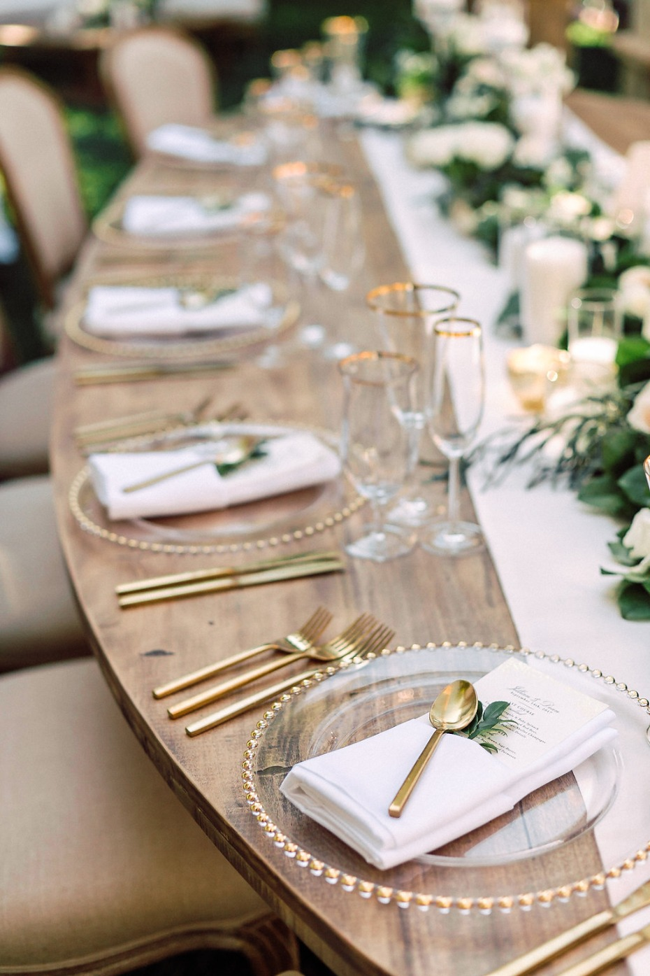 Natural glam tablescape