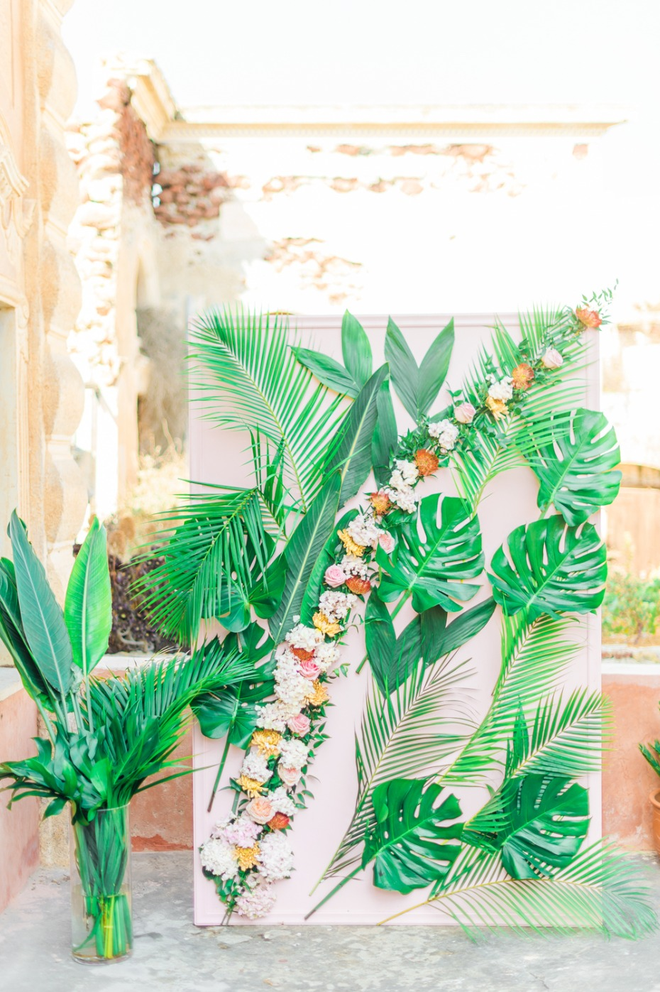 Tropical leaf ceremony backdrop