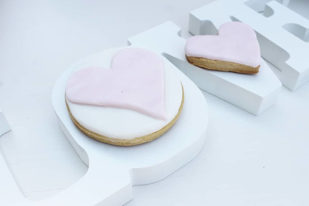 ▪ Cookies make the world a better place! Even more pink, heart cookies▪