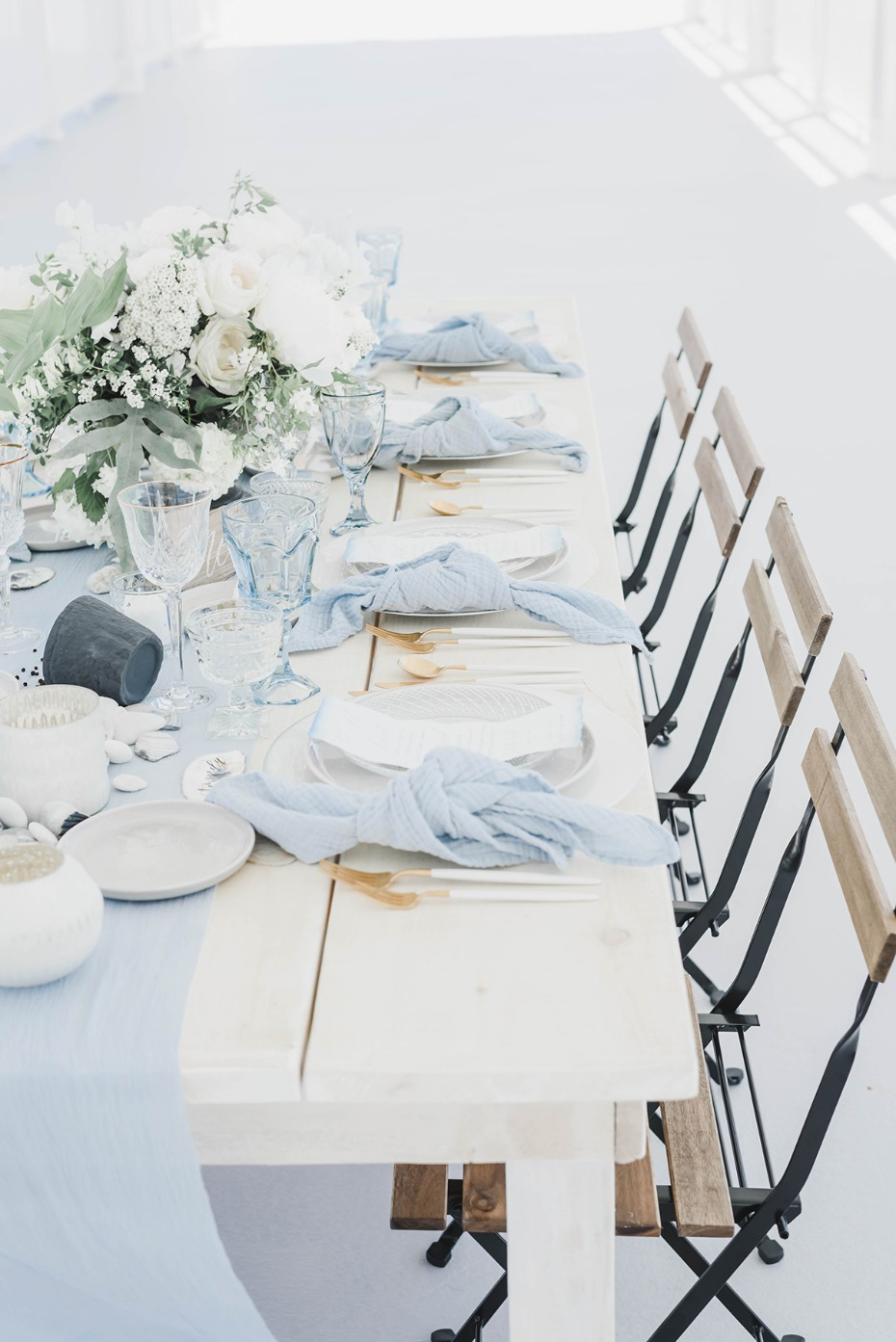 beach chic wedding table decor