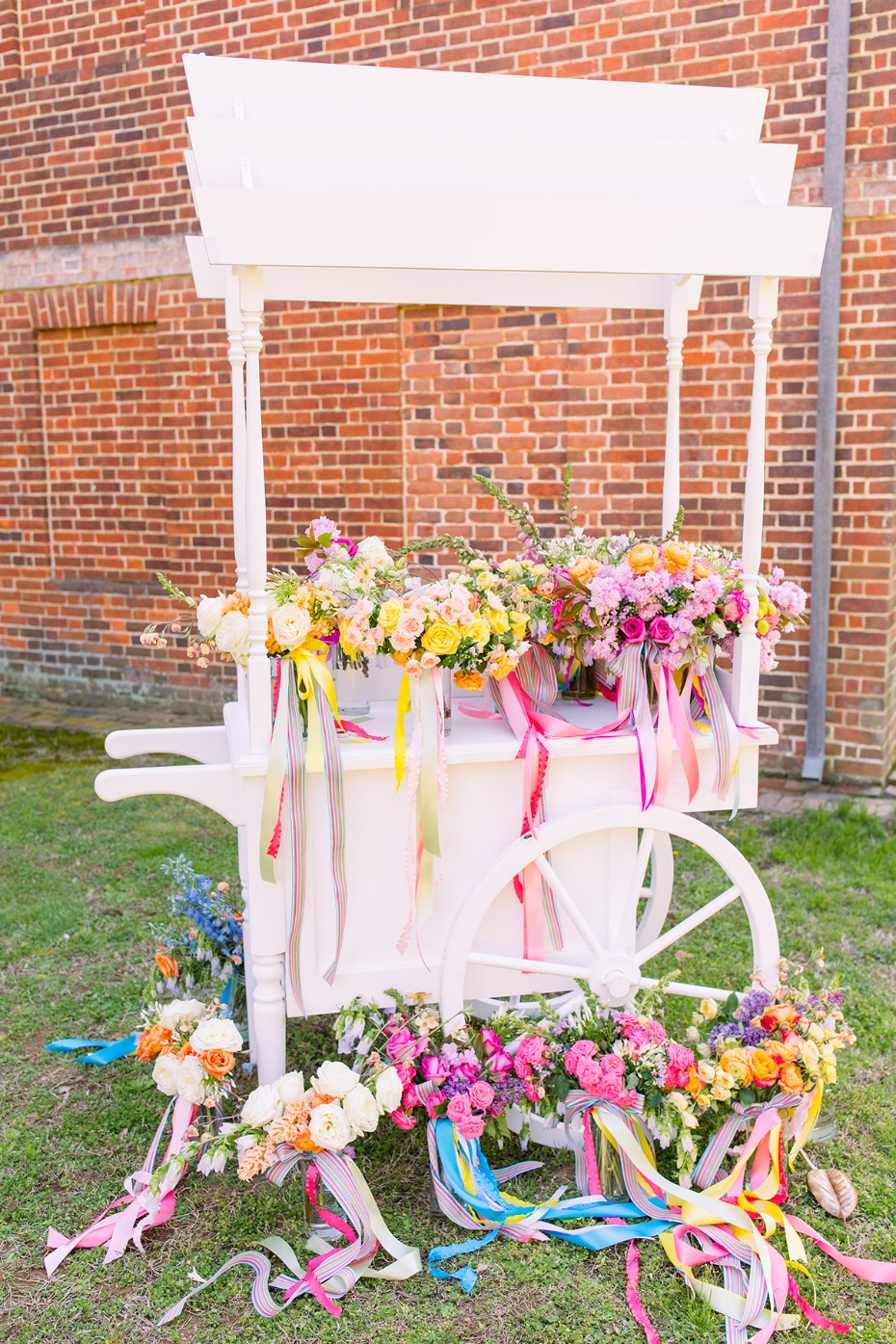 wedding bouquet flower cart