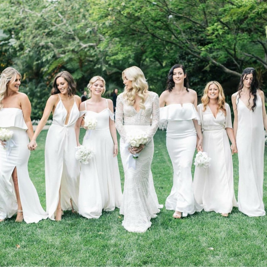 20 Bridesmaid Photos You Need To Have On Your Shot List