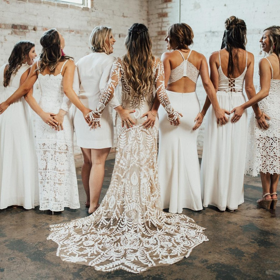 Silly bridesmaids cupping butts