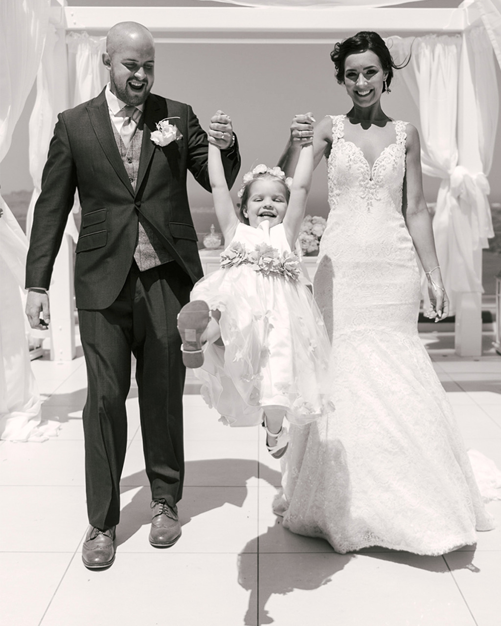 The love of a family is life's greatest blessing! This wedding photo is the proof!