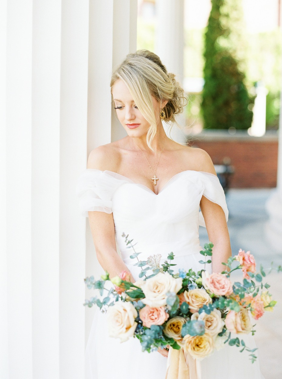 classic and romantic wedding style