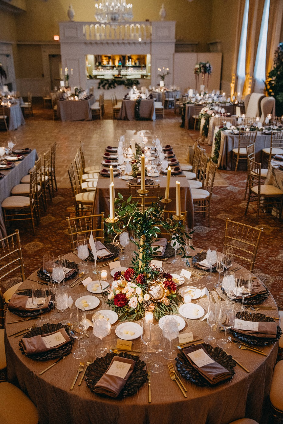 fall ballroom wedding idea