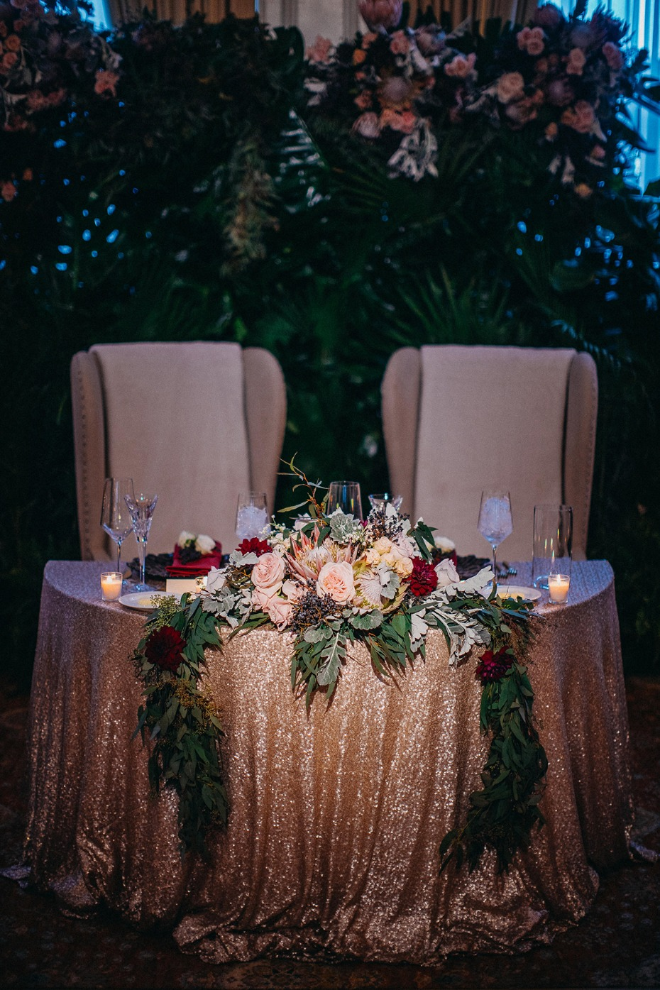 dramatic fall inspired sweetheart table