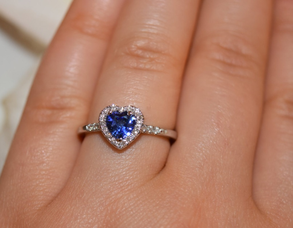 Promise your heart with this fine sapphire romantic ring.