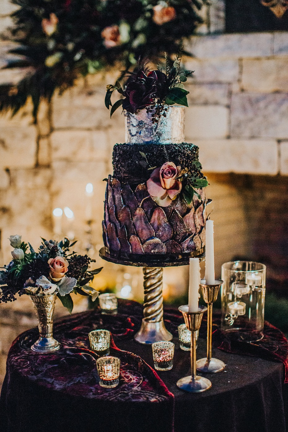 wedding cake idea for you dramatic and dark themed wedding