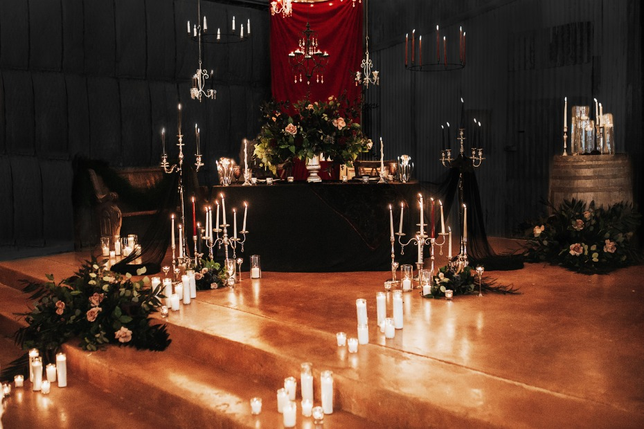 dark themed wedding idea