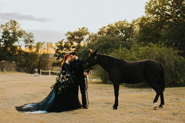 How To Have A Dark And Dramatic Themed Wedding