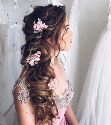 10 Secrets For Long Lasting Wedding Hair