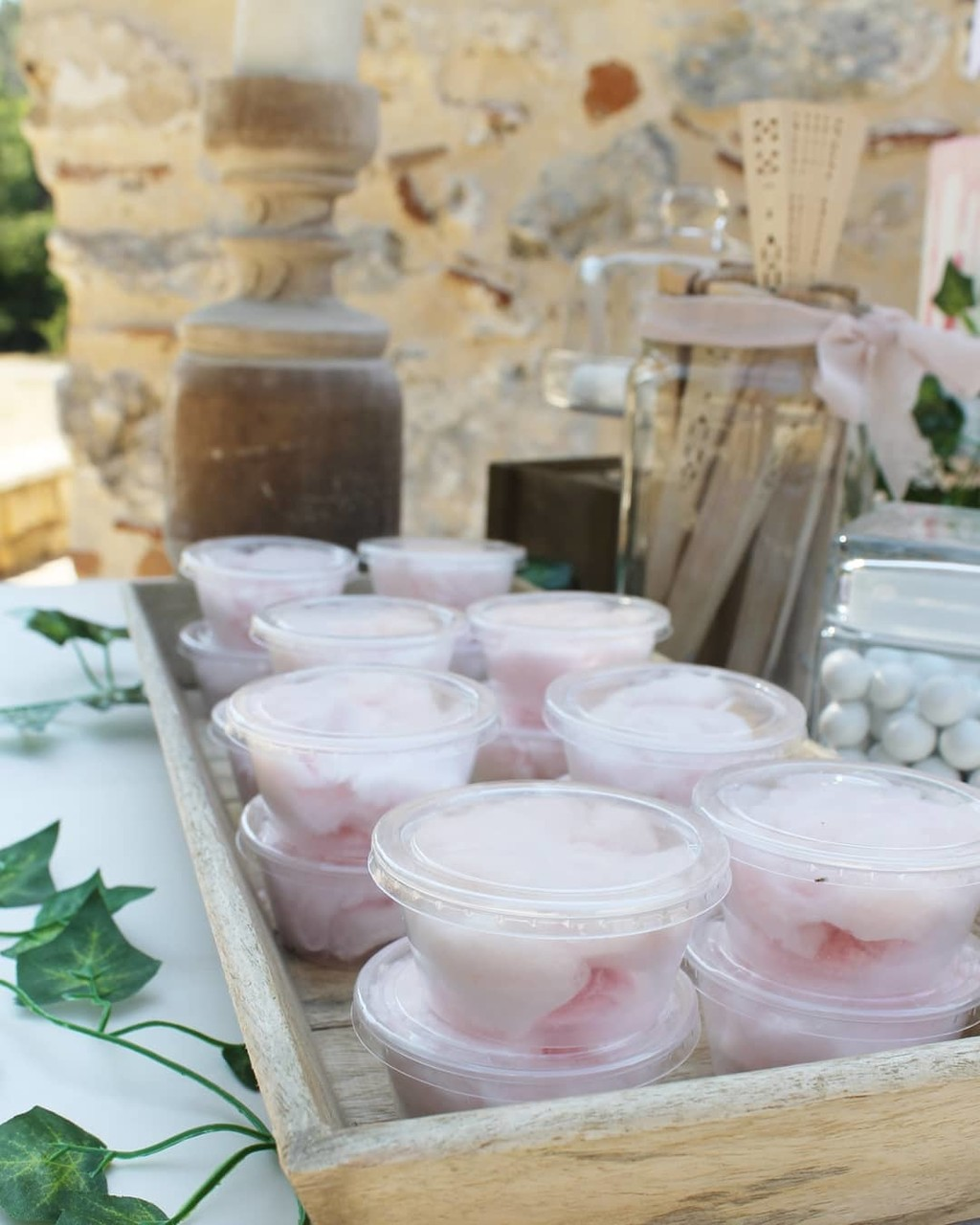 ▪ Cotton candies for your guests is a perfect idea and....so sweet▪