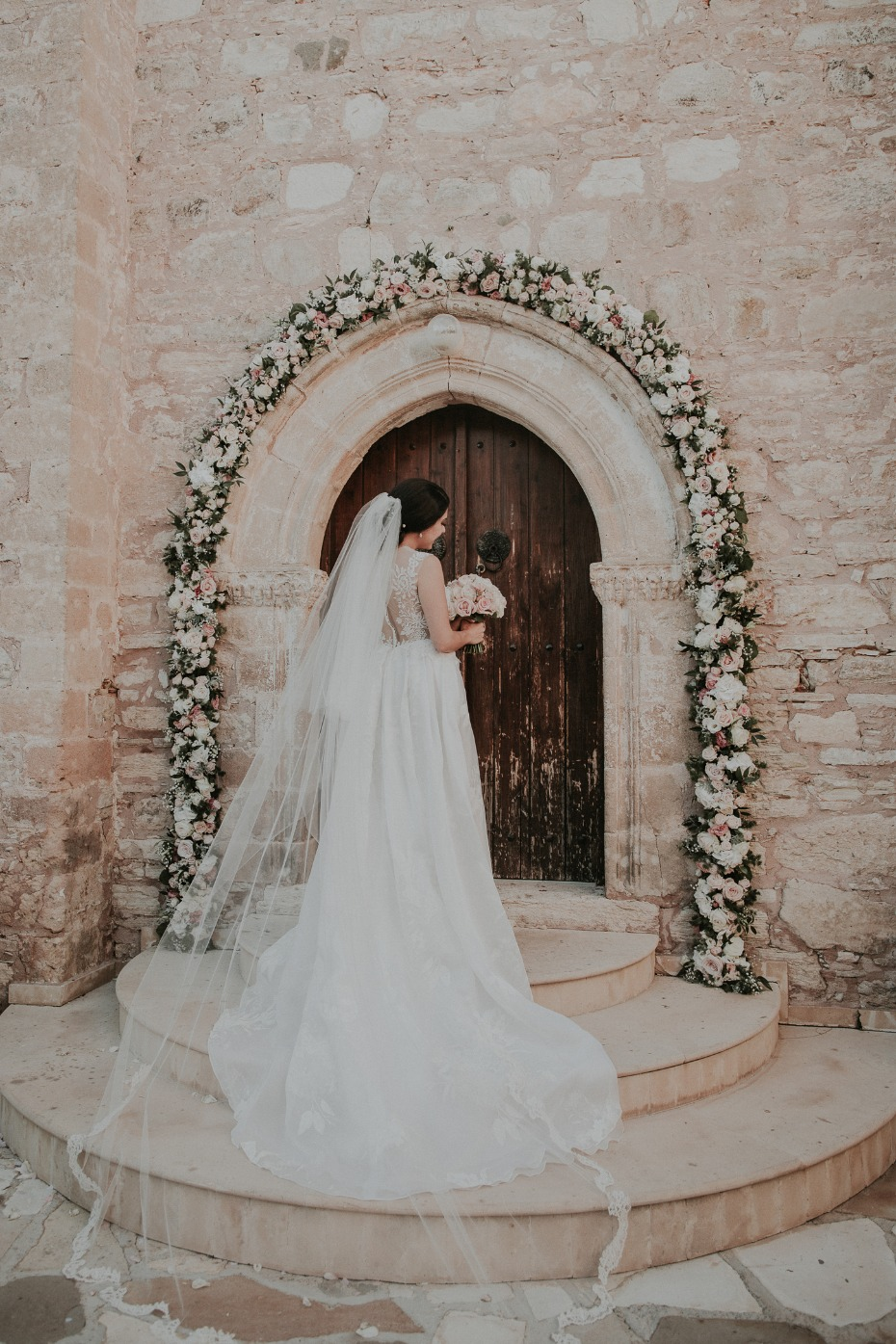 bridal style for your romantic wedding day