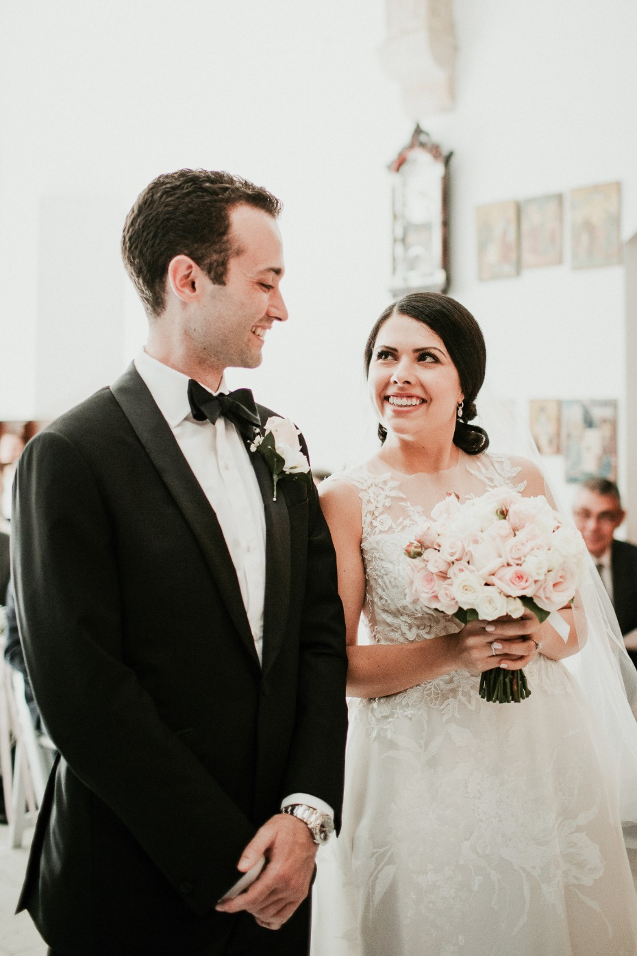 wedding couple at the altar